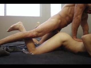 Домашний проеб огромным членом #gay #porn #bareback #bigcock #twinks