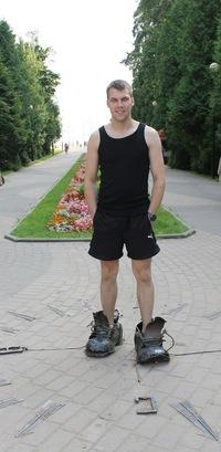 Антон Мазуров