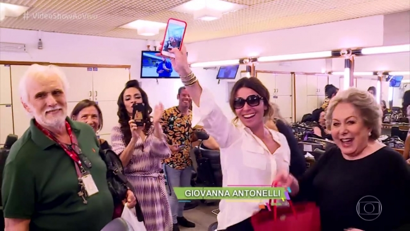 Vídeo Show - Актеры Восходящего солнца поздравили Джованну Антонелли с Днем рождения