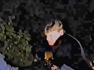 Пьяный Юра Хой на гитаре на собственной днюхе - Нас ждут из темноты (27.07.1996)