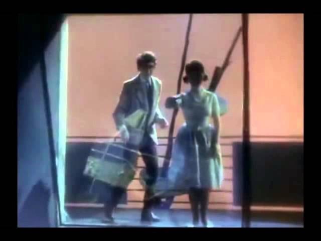Фильм Черёмушки (1962). Отрывок. Отдельная квартира.