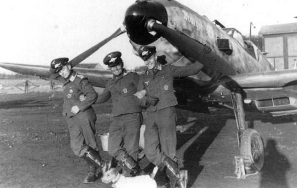 Хайнц Кноке «Я летал для фюрера. Дневник офицера люфтваффе. 1939-1945»