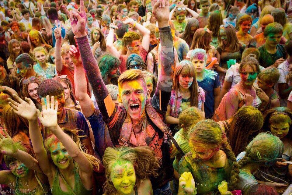 Фестиваль красок в Узловой