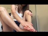 АСМР / ASMR Leg and Foot Massage. (Skin brushing, lotion sounds).