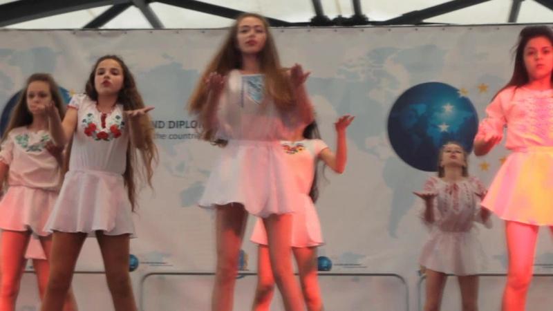 Повертайся живим. День Европы-2017. Коллектив современно-спортивной хореографии