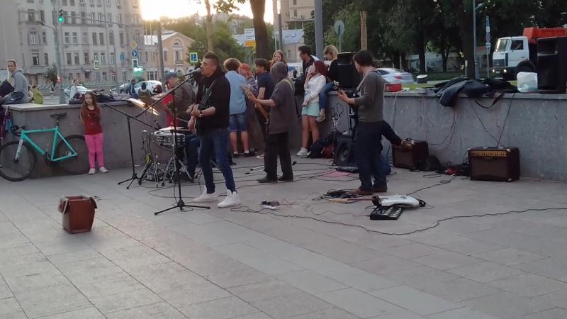 Виктор Цой и группа Кино - Спокойная ночь (нереально похожий голос)