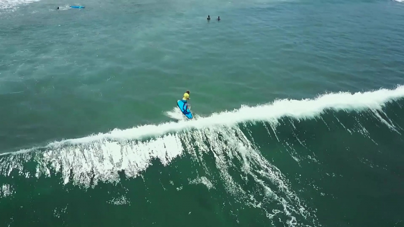 Surfing never alone