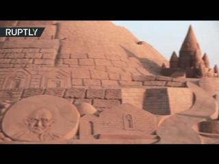 Самый высокий замок из песка построили в Индии