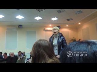 В оккупированном Дзержинске местные жители проявили свою позицию. 16.01.2017, Панор ...