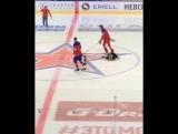Хоккеисты Кузнецов, Овечкин и Малкин приняли участие в развлекательных конкурсах в матче СКА и