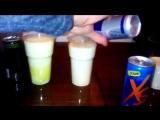 Реакция молока на энергетические напитки. XS лучший! Скоро уже в России и Казахстане!✌