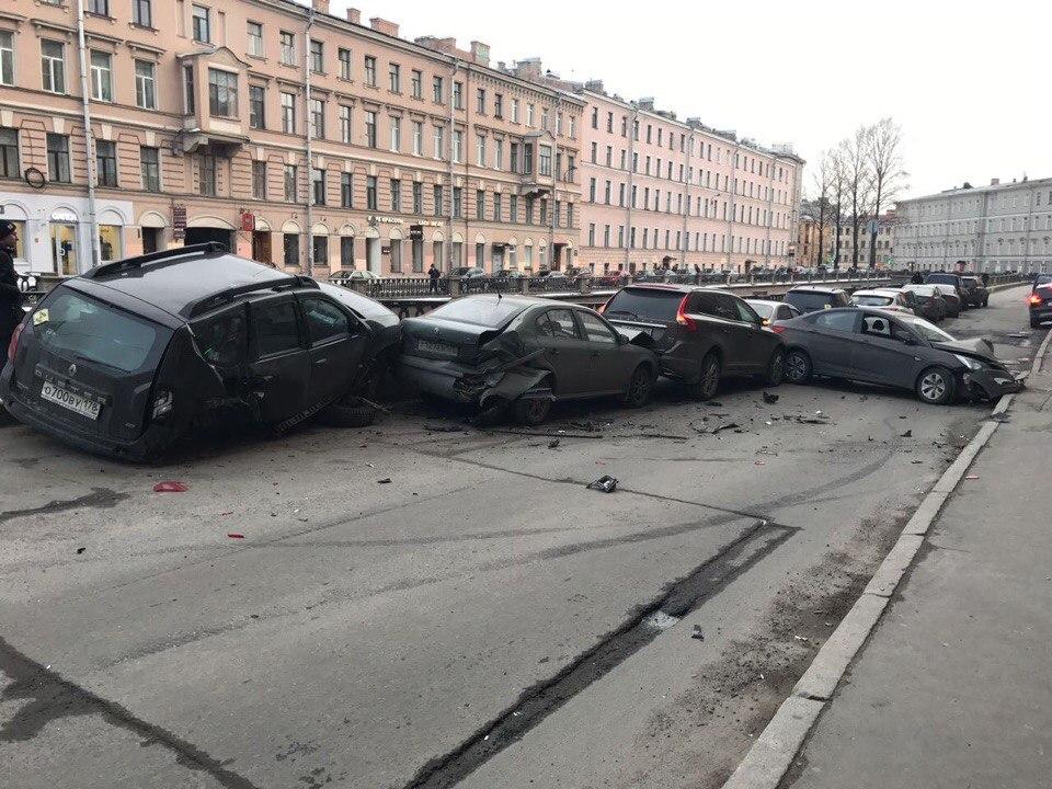 Вцентре Петербурга виновник массовой трагедии  пытался сбежать— свидетели