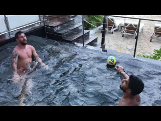 Los chicos divirtiéndose 😝😝 The boys having fun👍👍
