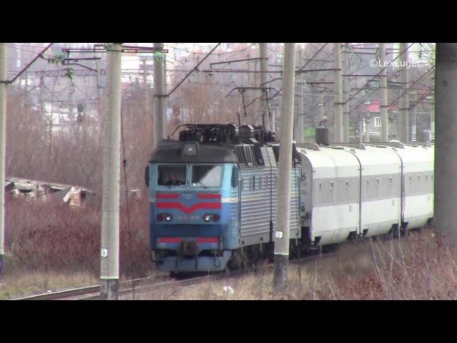 ЧС8-076 з поїздом №747