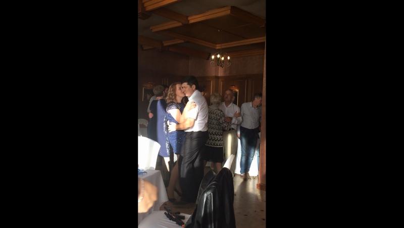Белый танец родителей