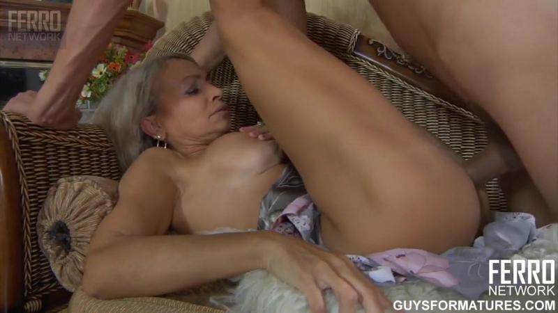 Мамочка  бесплатный секс с блондинками