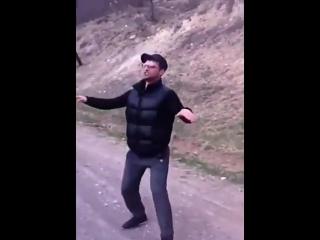 [Нетипичный Кавказ] Когда услышал любимую песню