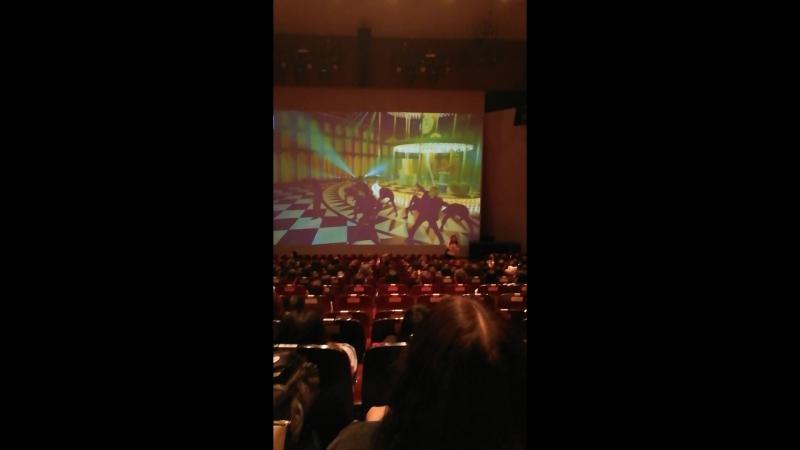 20170708 Holografic Theatre. Реклама с EXO