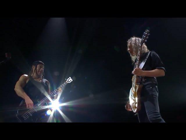 METALLICA Pays Tribute To BLACK SABBATH W/ 'War Pigs' Jam In Birmingham, 30th Oct '17 (mulitcam mix)