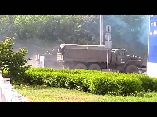 Колонна российской военной техники Луганск, ул Краснодонская, 2015 05 28