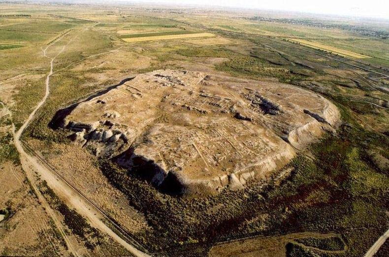 Крепости и городища на древних отвалах?