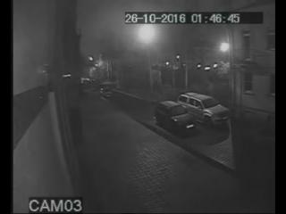 Видео нападения на бизнес-центр на улице Савушкина