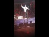 30.09.2017 YouR PresenT: Юнхо танцует под Rookie (Red Velvet)