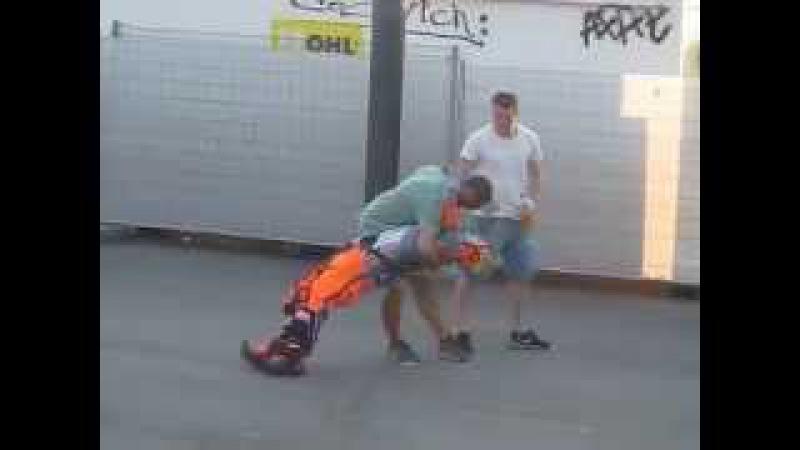 Clown Mimo Karcocha in Barcelona - Funny Street show