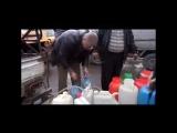 Водная блокада Дамаска_ цистерны и канистры