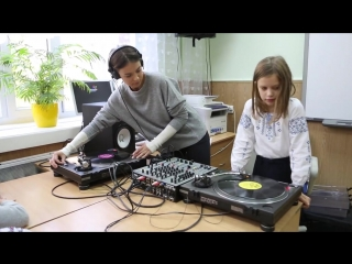 Nastia DJ set in the classroom