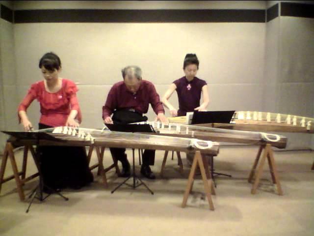 本人演奏 箏三重奏で「となりのトトロ」 佐藤義久編曲
