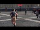 Голый мужчина с рюкзаком пробежался по Д...й площади (360p)