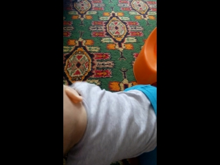 Миша решил посидеть одетым на горшке8мес 11дней