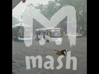 Ливень затопил дороги в Симферополе