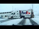 Dashcam Полиция Футажи Захватывает Поезд врезаться в грузовик FedEx