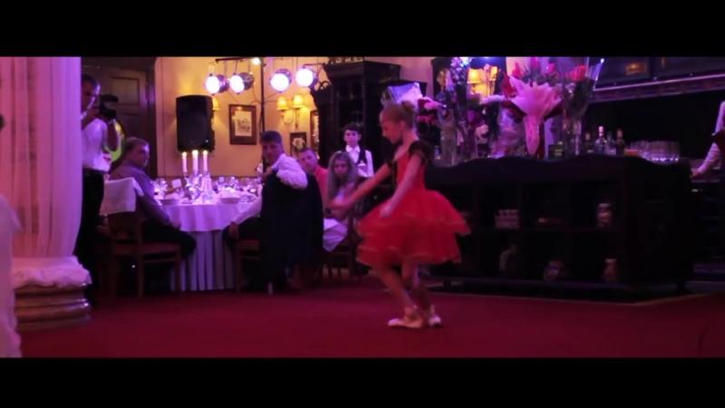 Маленькая Балерина Даниела Танец На Пуантах
