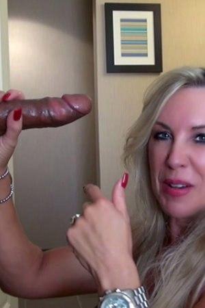 Fabulous Porn Films - WIFEY'S BBC VALENTINE!