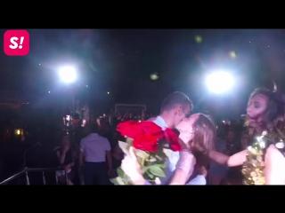 Парень сделал предложение девушке на концерте Бузовой в Ялте