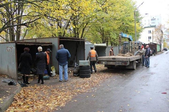 Владельцам «ракушек» в Симферополе предложено снести их самостоятельно