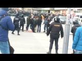 ФАН публикует видео задержания участников несанкционированного митинга в Москве