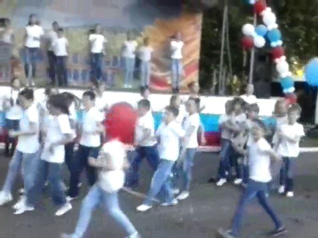 Непоседы - Флешмоб Танцуй Добро! (День России)
