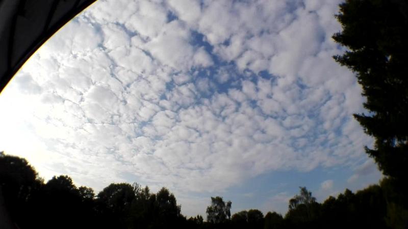 23.09.2016 15:04-20:02 Uhr in der Nähe von Halbe im Land Brandenburg. Bild von heute morgen Rippen Wolken.