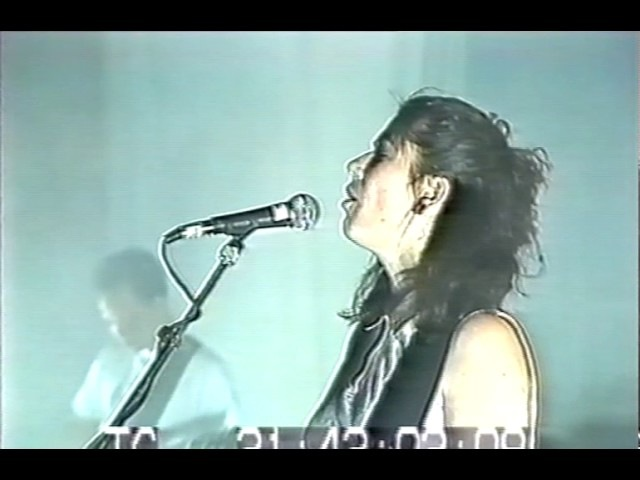Pixies - Vredenburg, Utrecht (1990-09-25) - PRO-SHOT video with DTTP audio