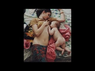 BREASTFEEDING BABY !