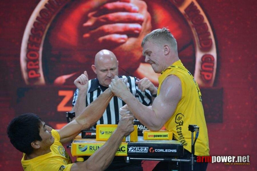 Спортсмен изЧистополя стал призером Кубка мира поармрестлингу среди экспертов