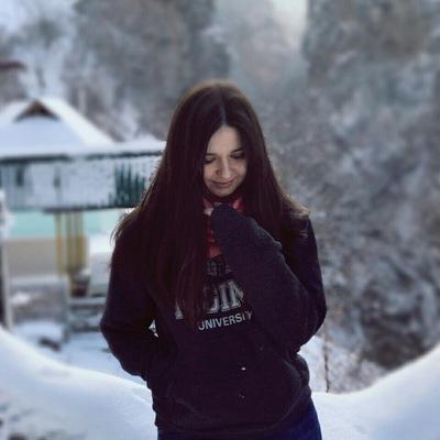Эля Шомахова