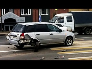 Crazy Car Videos 😨 Ultimate Driving Fails April 2017, Funny Idiot Drivers #576
