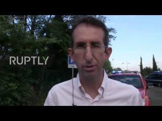 Франция: Человек серьёзно травмирован после того, как дерево падает на поезде в шторм.
