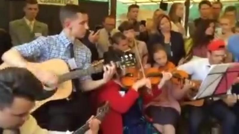 Чувственная песня Свидетели Иеговы после конгресса. Украина, июнь 2017