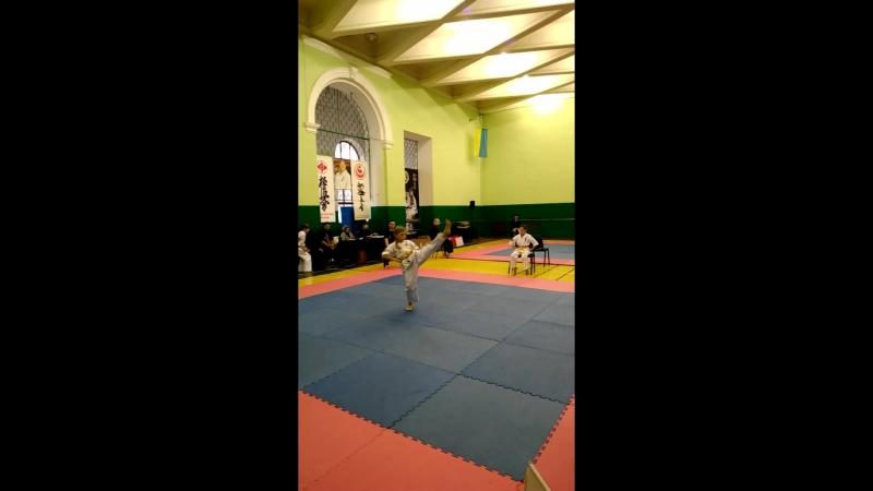 Галун Андріана кіокушинкай карате змагання у розділі ката
